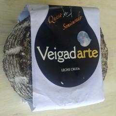 Queso semicurado de cabra con malta de cebada Veigadarte 900 gr aprox