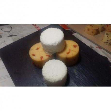 Lote tres quesos: Vaca con chorizo, vaca con setas y ajo y queso fresco de cabra